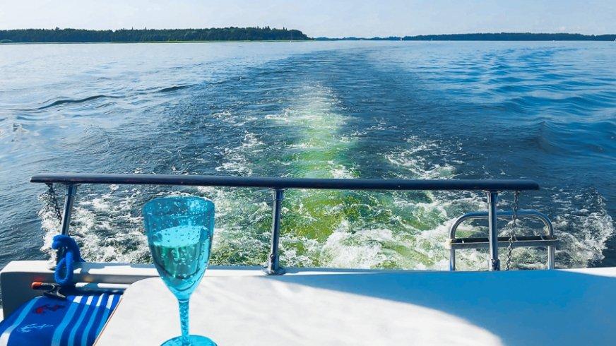 Za nami woda, przed nami woda... tak się odbywa mazurska przygoda